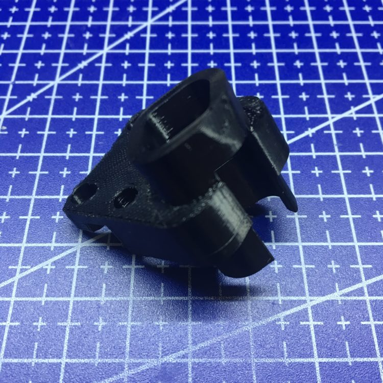3D печать партии держателей двигателя для молочного миксера