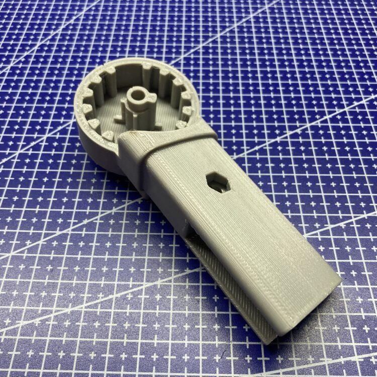 3D печать фиксатора ручки детской коляски